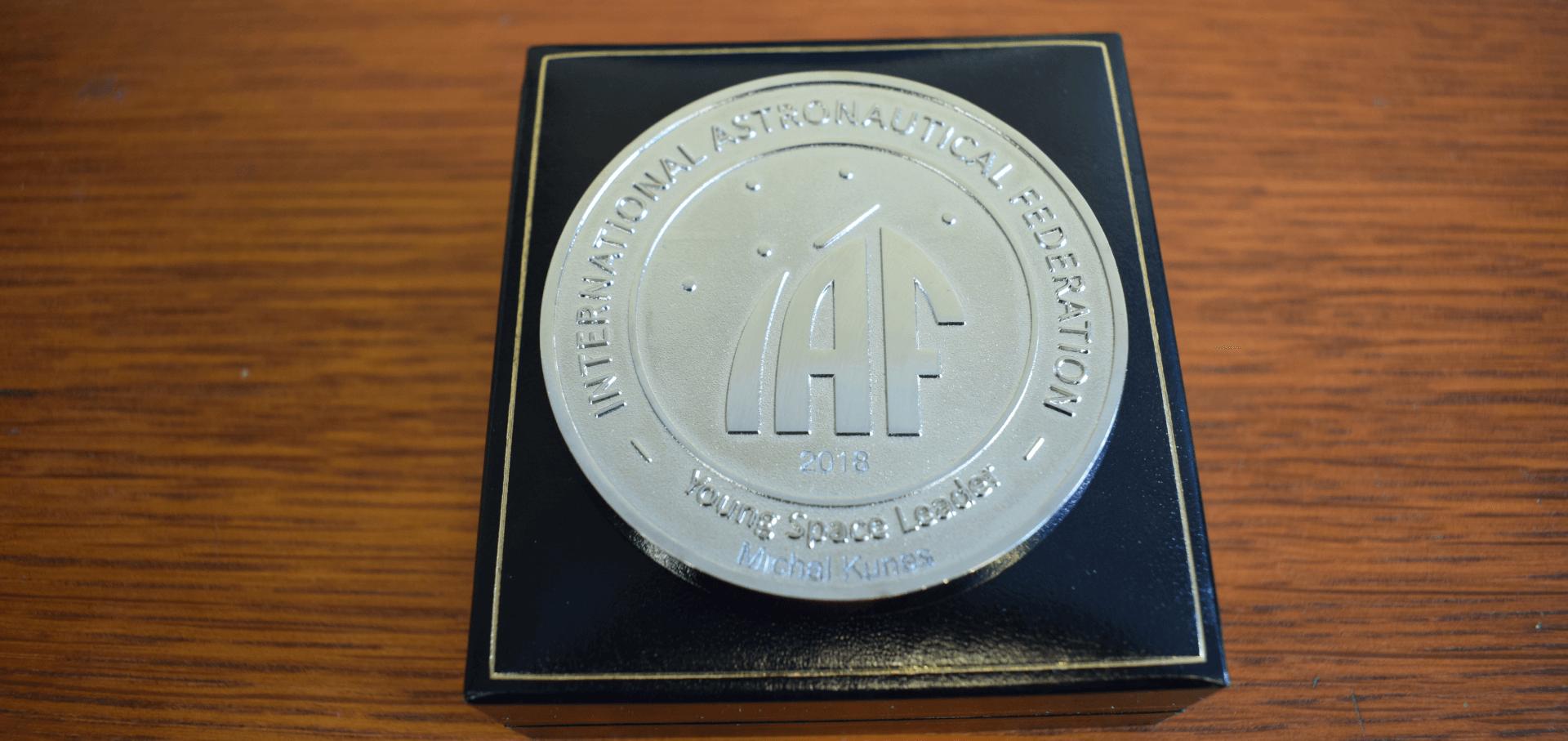 Ocenění Young Space Leader Mezinárodní astronautické federace získal první Čech